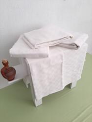 Otel Pikesi Çift Kişilik Küçük Dama Desen Beyaz 4 Ad. - Thumbnail