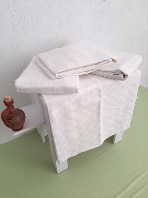 Otel Pikesi Çift Kişilik Küçük Dama Desen Beyaz 4 Ad.